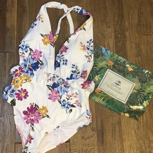 Cupshe one piece bathing suit. NWT